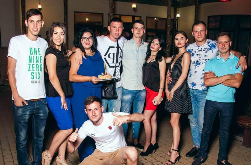 Отпраздновать корпоратив в Запорожье фото